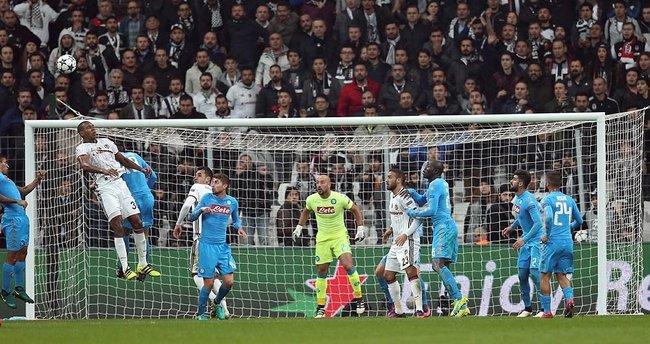 Yazarlar Beşiktaş - Napoli maçını yorumladı