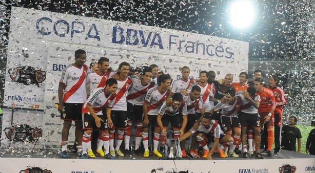 River Plate-Boca Juniors maçında bayrak rekoru