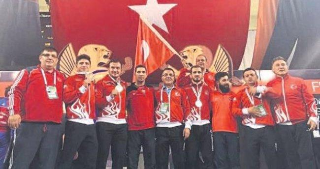 Üniversite milli takımı Dünya şampiyonu oldu
