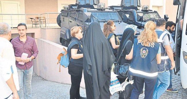 Kemalpaşa'da 7 DAEŞ üyesi tutuklandı