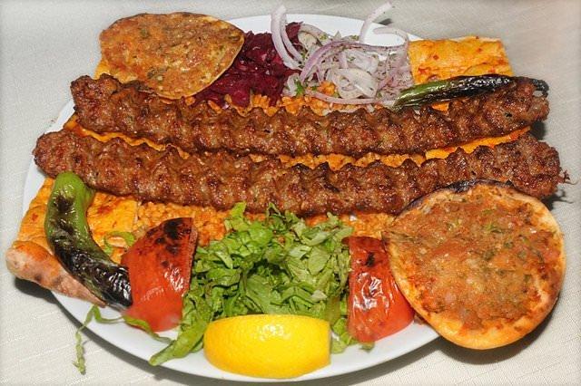 Adana kebap yediğinizi mi sanıyorsunuz?