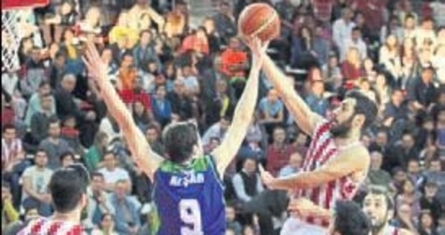 Basketbolda çifte heyecan
