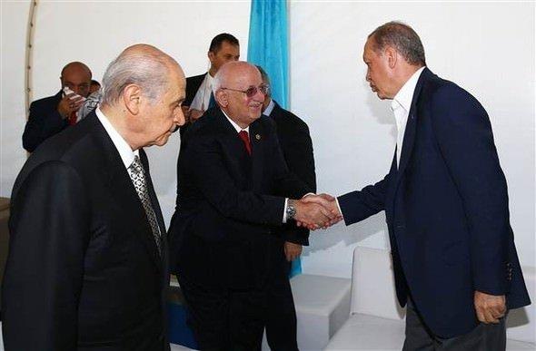 Yenikapı'da liderlerden sıcak görüntüler