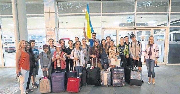 Ukraynalı çocuklar Antalya'ya tatile geldi