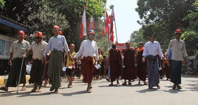 Myanmar'da, Arakanlı Müslümanlara vatandaşlık protestosu!