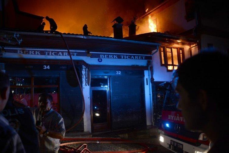 Ankara Kalesi'nde yangın