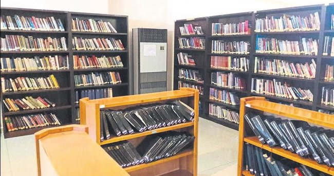 Kütüphanede Fetö'nün izleri