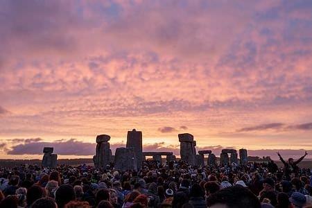 Stonehenge yılın en uzun gününe ev sahipliği yaptı