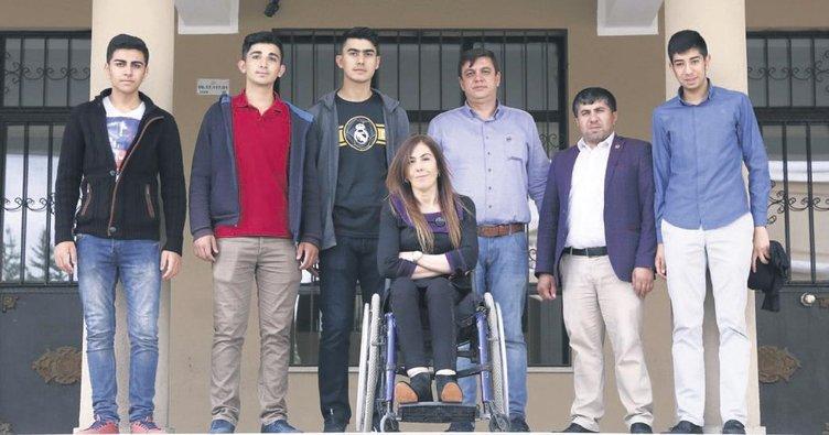 Engelli müdürden hayat dersi