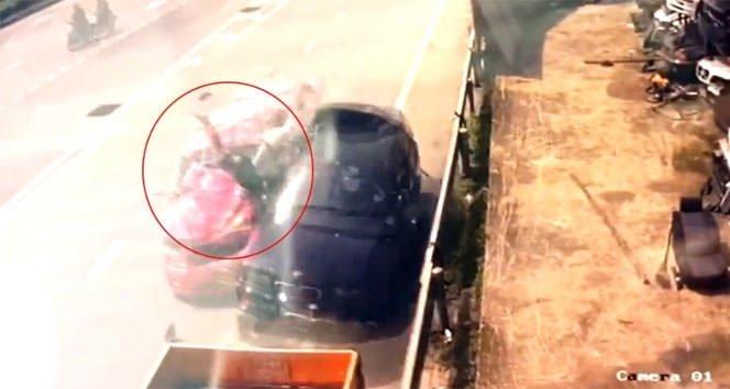 Korkunç kaza: Metrelerce havaya uçtu !