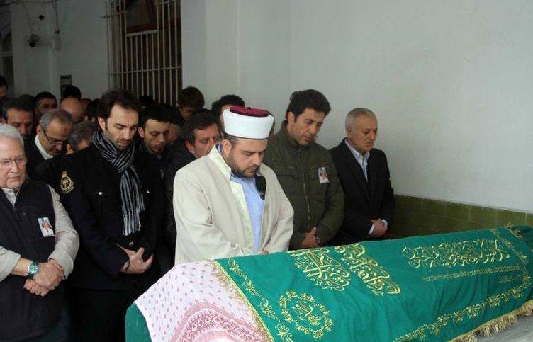 Emre Kınay'ın anne acısı