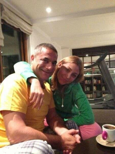 Mehmet Ali Erbil'e 30 yaş küçük sevgili