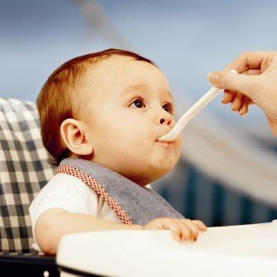 Bebeklerde reflüyü tetikleyen 6 alışkanlık