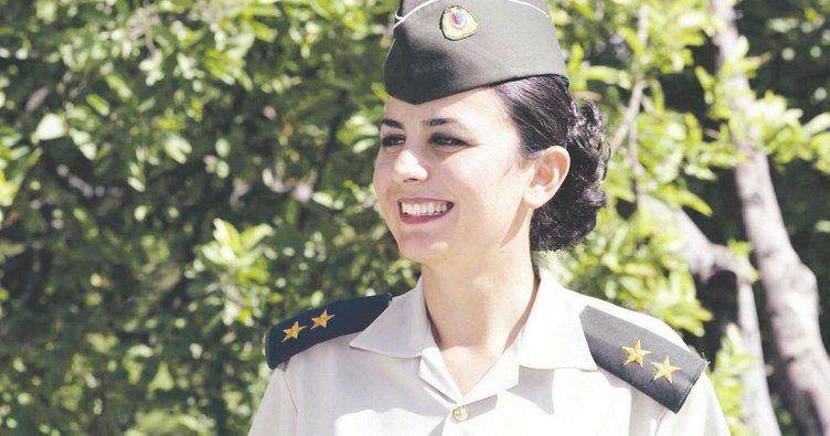 'Gelinliğim üniformam'