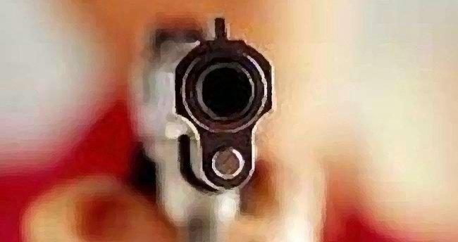 Polis memuru, kardeşi ve yengesini öldürdü
