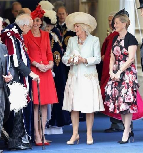 Kate Middleton ile kayınvalidesi Camilla Parker Bowles kanlı bıçaklı