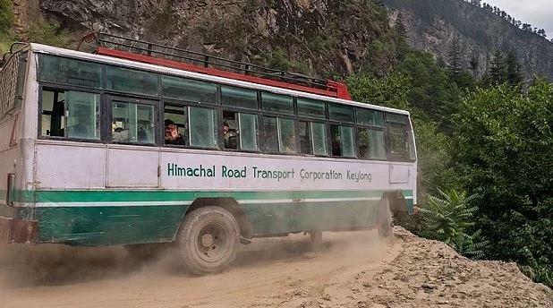 Hindistanlı çılgın şoförler