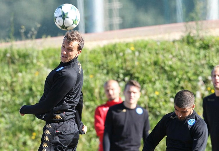 Galatasaray'da stoper transferi tamam!