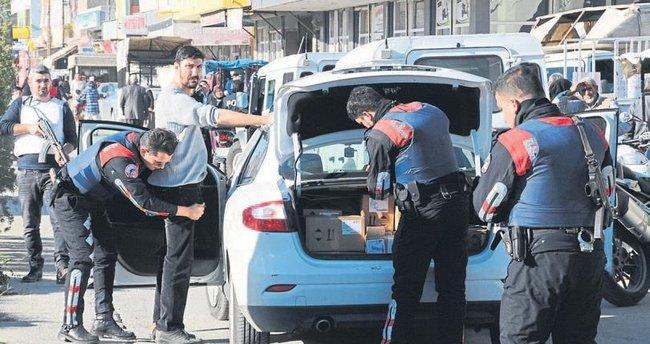 Adana'da 300 polisle mahallelerde uygulama