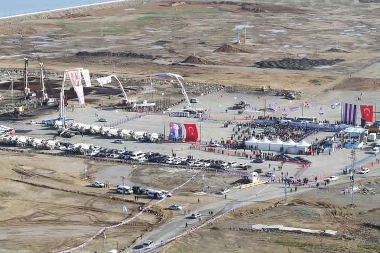 Trabzon Akyazı Stadı'nın temeli atıldı