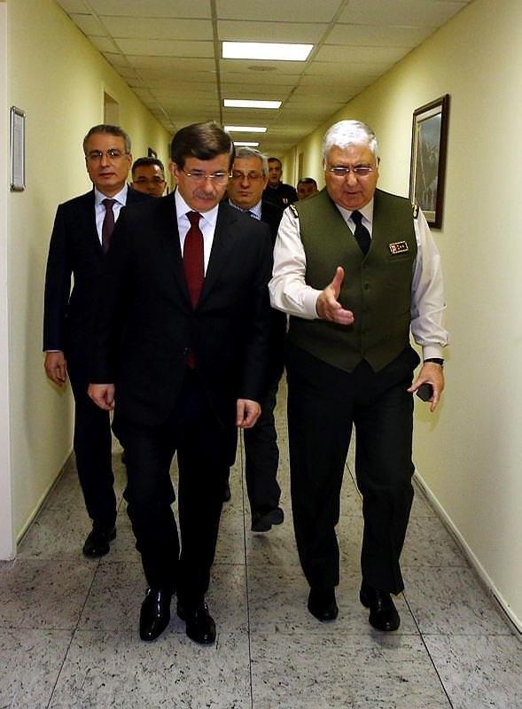 Davutoğlu operasyonu Genelkurmay'da takip etti