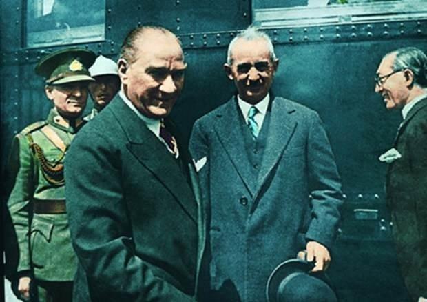 Genelkurmay Atatürk'ün renkli fotoğraflarını yayınladı