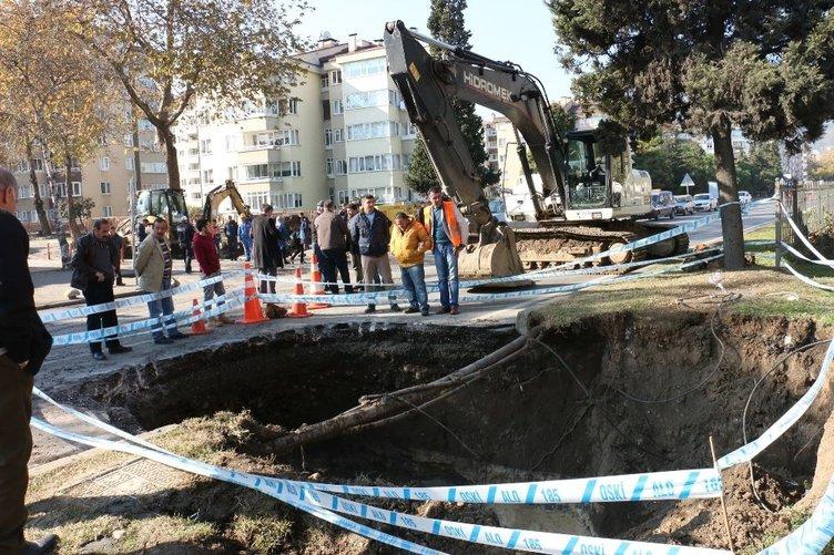 Ordu'da sahil yolu çöktü: 4 metrelik çukur oluştu