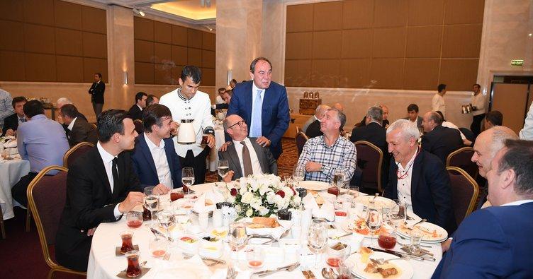 TFF Başkanı Demirören'den futbol ailesine iftar yemeği