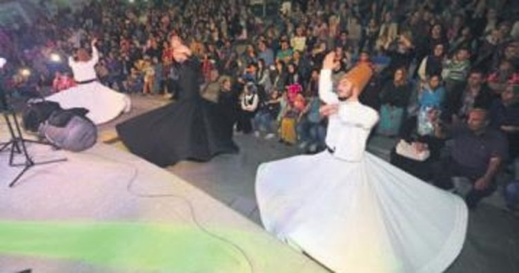 Pursaklar'da sanatçılar halkla buluşuyor