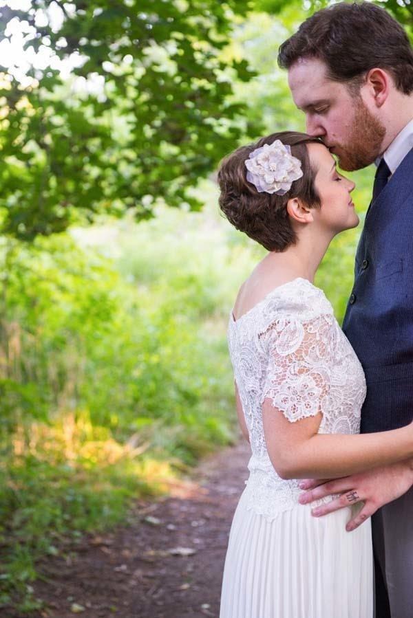 Zombiler düğünü bastı