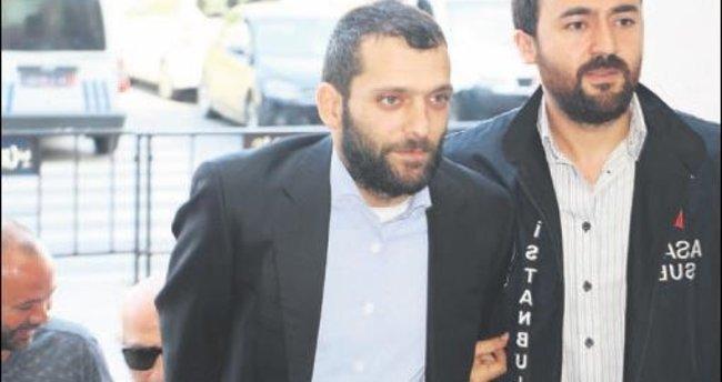 Özbizerdik'ten eski polis müdürüne saldırı