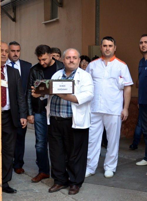 Türkiye'yi ağlatan bebek toprağa verildi
