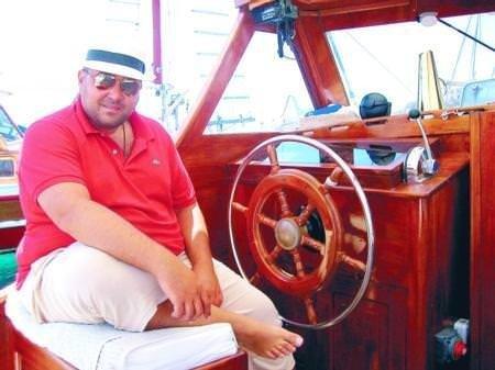 Tekneye çıkarken kiloları nedeniyle…