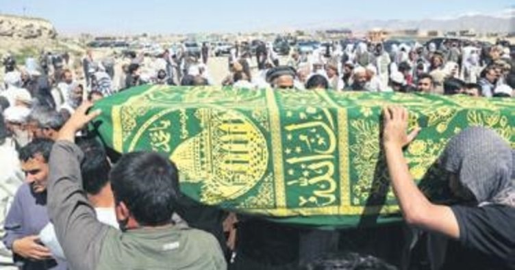 Cenazede üç bomba patladı: 18 ölü