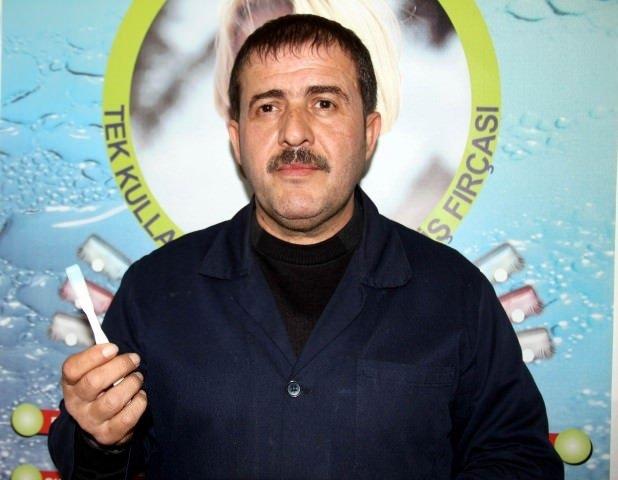 Türk buluşu: Tek kullanımlık diş macunlu fırça