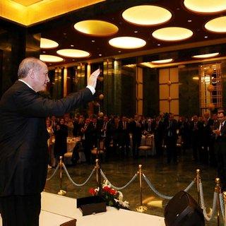 Erdoğan Külliye çalışanları ile iftar yaptı!