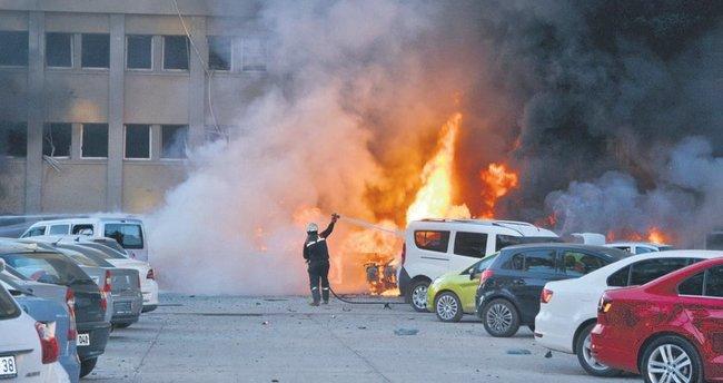 Adana Valiliği'ne saldırı: 2 şehit, 33 yaralı