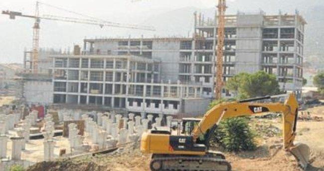 İki büyük hastane 2018'e yetişecek