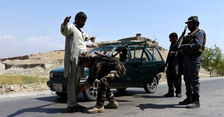 Taliban Afganistan'da bir ilçeyi kontrolü altına aldı
