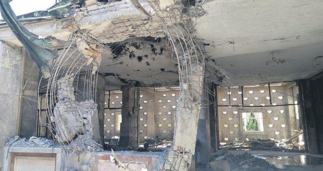 Bombalanan Meclis'in onarımı 1 ayda bitecek