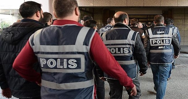 Ege Üniversitesi'nde FETÖ'den 15 gözaltı