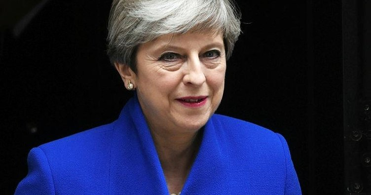 Theresa May'in kumarı ters tepti