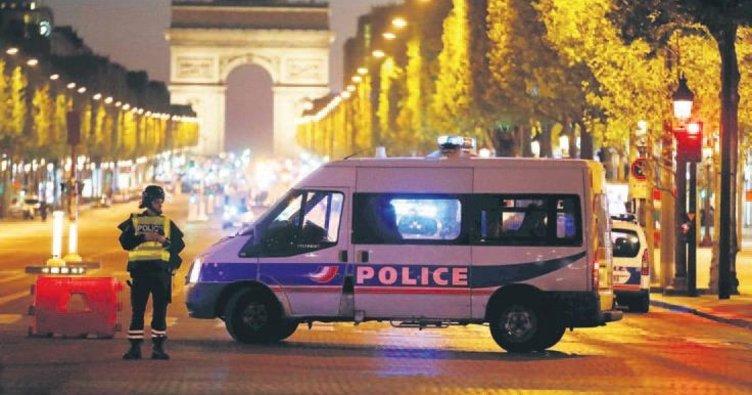 Şanzelize'de terör gecesi: 1 polis öldü