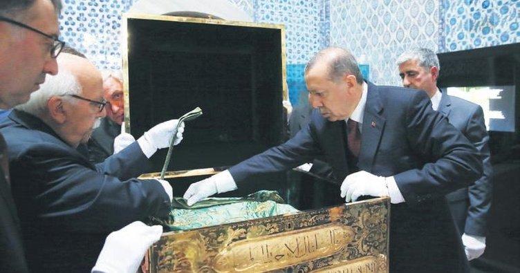 Sultanahmet'te coşkulu cuma