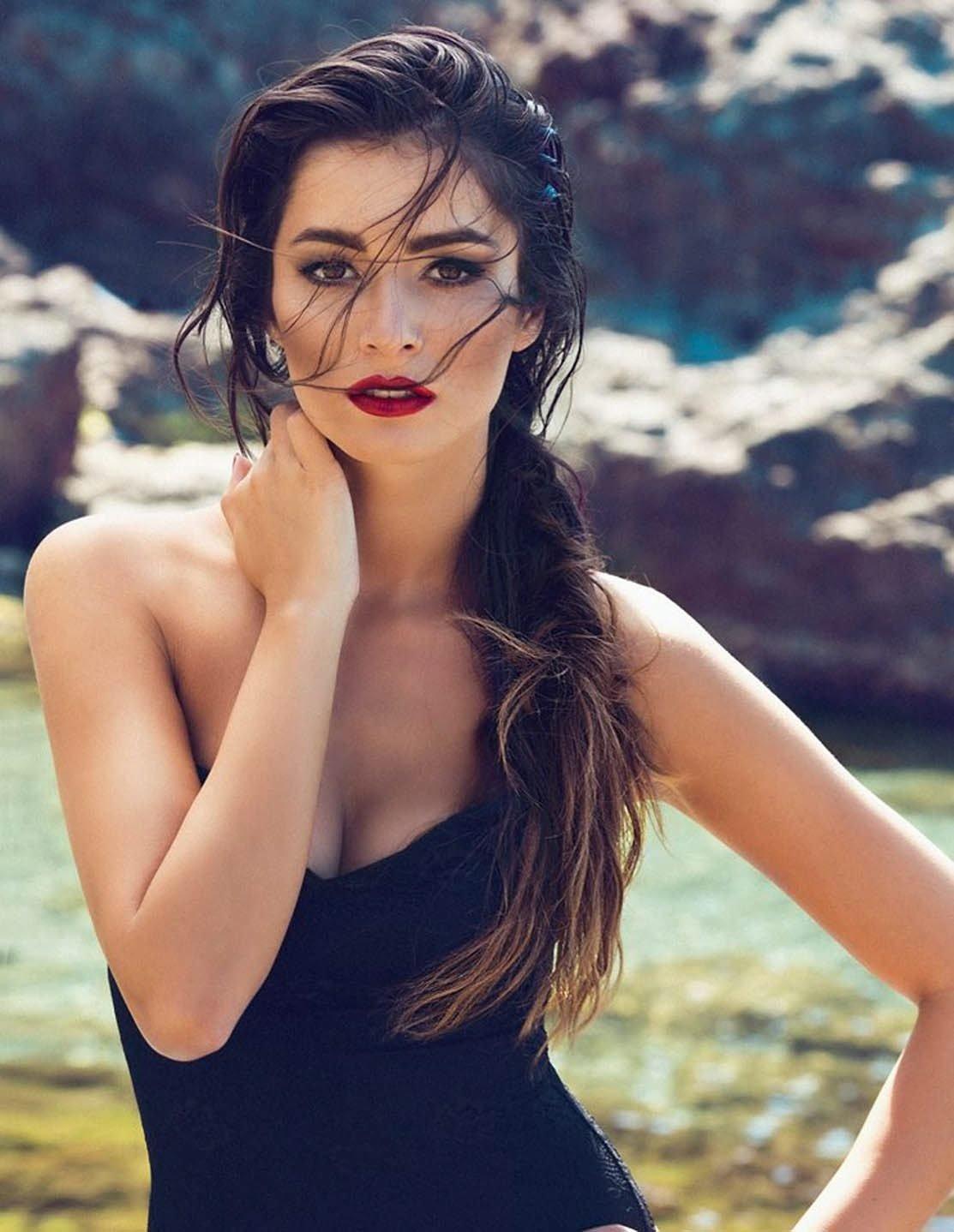Sinan Akçıl eski sevgilisinin yeni sevgilisiyle fotoğrafını beğendi
