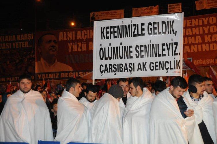 Başbakan Erdoğan'a Trabzon'da kefenli karşılama