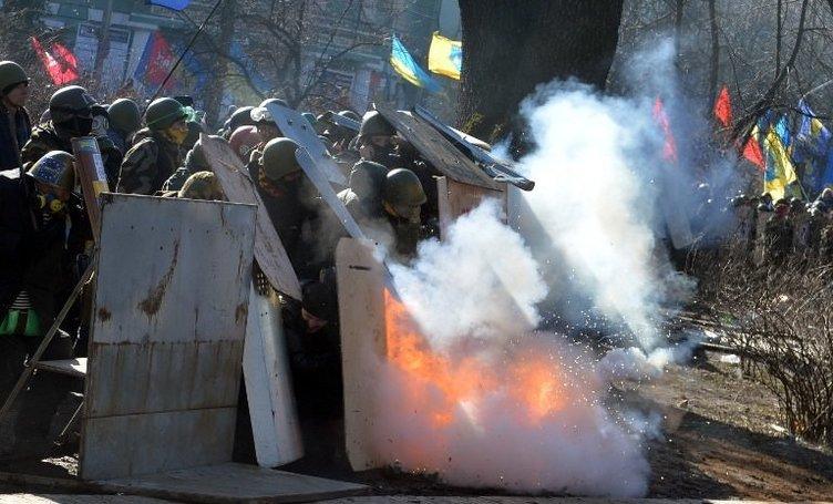 Ukrayna diken üstünde