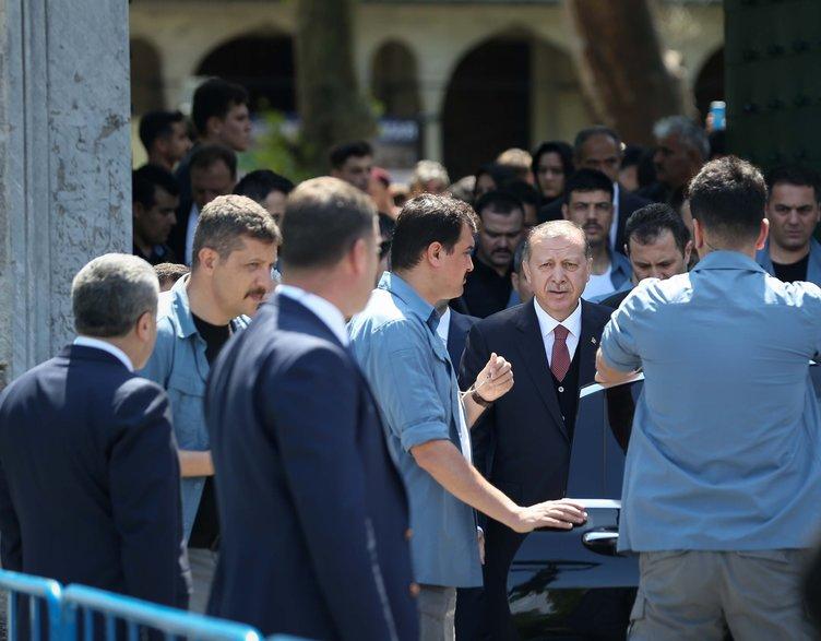 Cumhurbaşkanı Erdoğan o işareti görünce yanına çağırdı