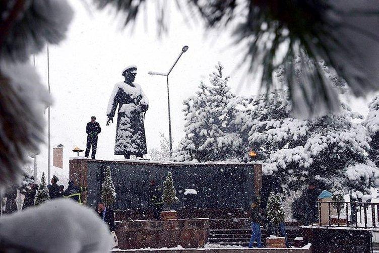 Erzurum'a 10 Kasım'da 10 santim kar yağdı