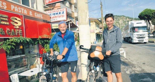Bisikletle Hindistan'a
